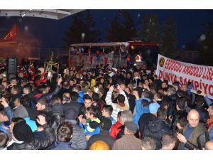 Trabzon, Şampiyonu Böyle Karşıladı !