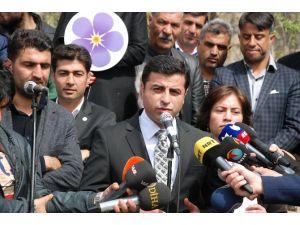 1915'te Hayatını Kaybeden Ermeniler İçin Fatiha Okudu