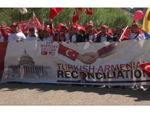 Beyaz Saray Önünde Barış Yürüyüşü