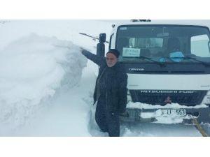 Erzurum'da Kar İki Metreyi Buldu