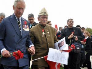 Prens Charles, Çanakkale Şehitlerini Karanfillerle Andı