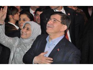 Başbakan Davutoğlu Valiliği Ziyaret Etti