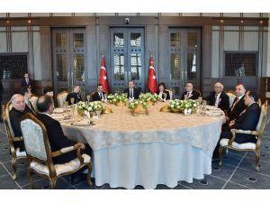 Cumhurbaşkanından Yüksek Mahkeme Üyelerine Yemek
