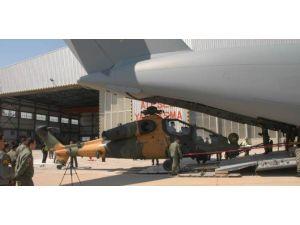Atak Taarruz Helikopterleri İlk Kez Havadan Taşındı