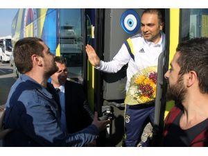 Fenerbahçe'yi Sadece 1 Taraftar Karşıladı