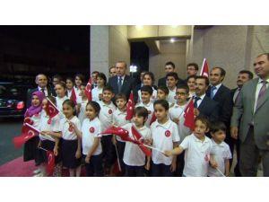 Cumhurbaşkanı Erdoğan'a Kuveyt'te Sürpriz Karşılama