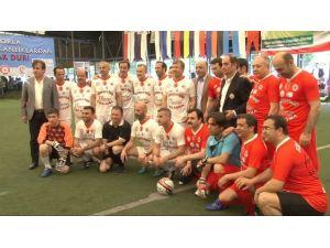 Ünlü Futbolcular 'Gazozuna Maç' Yaptı