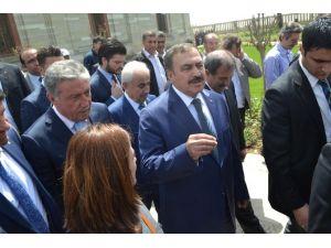 'Kılıçdaroğlu Gelsin, Bizden Belediyecilik Öğrensin'