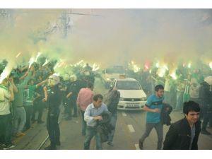 Bursaspor'a Coşkulu Karşılama
