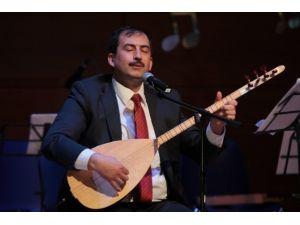 Müsteşar Yardımcısından Türkü Ziyafeti