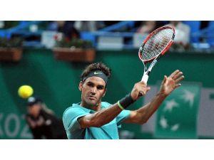 Federer İstanbul Open'da Çeyrek Finale Yükseldi