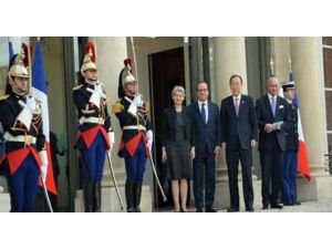 Bm Genel Sekreteri Ban Ki Moon Elysee'de