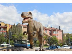 Ankara'nı Dinozoru Yerini Aldı