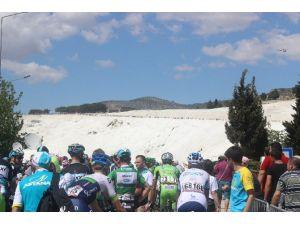 Cumhurbaşkanlığı Bisiklet Turu'nda Şok Olay