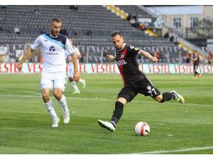 Adana Demirspor'a Manisa Darbesi