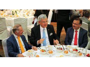 Türkiye'de İktidar Sorunu Yok, Muhalefet Sorunu Var!