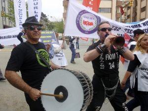 Kadıköy'de Davullu-zurnalı Kutlama