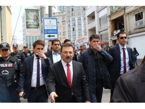İstanbul Emniyet Müdürü Taksim'de