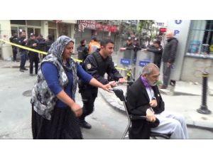 Engelli Vatandaşın Yardımına Polis Koştu