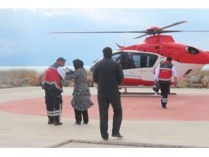 4 Yaşındaki Çocuğun İmdadına Ambulans Helikopter Yetişti