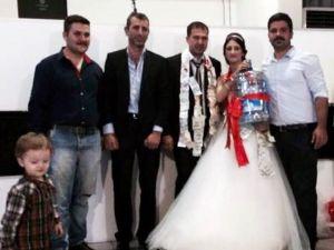 Düğünde Takı Yerine Damacana Taktı