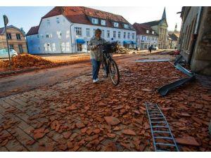 Almanya'yı Kasırga Vurdu: 1 Ölü, 31 Yaralı