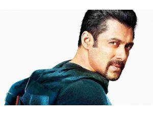 Bollywood Yıldızına Hapis Cezası