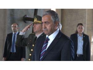 Kktc Cumhurbaşkanı Anıtkabir'i Ziyaret Etti