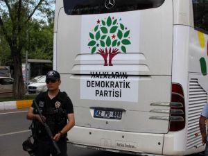 Hdp'ye Diyarbakır'da 42 Plakalı Araç