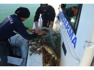 İznik Gölü'nde Kaçak Avlananlara Operasyon