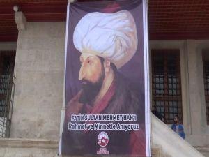 Fatih Sultan Mehmet Han Kabri Başında Anıldı