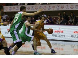Royal Halı Gaziantep Torku Konyaspor'u Mağlup Etti