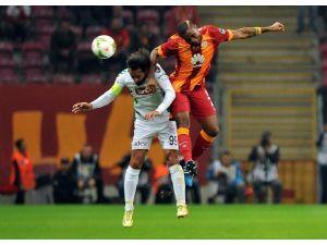 Galatasaray'da Chedjou Şoku
