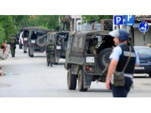 Silahlı Grup Polisle Çatıştı: 5 Polis Öldü, 30 Polis Yaralı