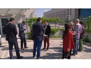 Gazeteciler Danıştay'ı Protesto Etti