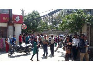 Nepal 7.4'le Sallandı