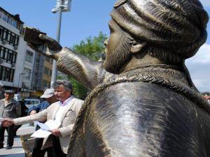 Selfie'ci Şehzadeye 24 Saat Koruma
