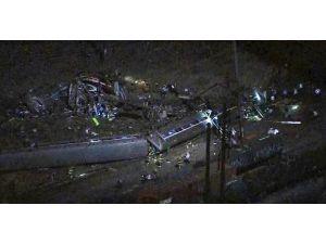 Abd'de Tren Kazası: 5 Ölü, 50 Yaralı