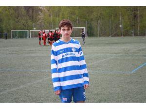 15 Yaşındaki Türk Oyuncu Dikkatleri Üstüne Çekti