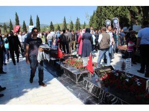 Soma'da Mezarlıklar Doldu Taştı