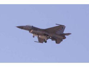 Ege'de Türk F-16'larına Yunan Tacizi