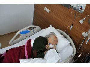 Ünlü Karikatürist Hastaneye Kaldırıldı