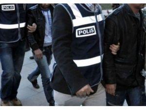 'Usulsüz Dinleme'ye 10 Tutuklama