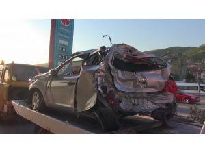 Tem'de Feci Kaza: 1 Ölü, 4 Yaralı