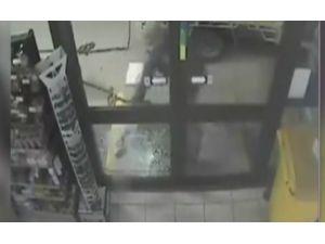 Hırsız Beceriksiz Çıkarsa…