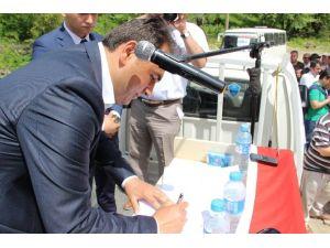 Köylüler Milletvekili Adaylarına Taahhütname İmzalattı