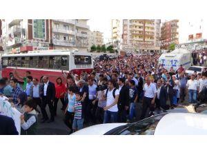 Saldırılar Diyarbakır'da Protesto Edildi