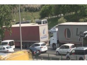 Fatih Sultan Mehmet Köprüsü'nde 'Kaza' Trafiği