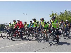 Ankaralı Bisiklet Tutkunları Pedal Çevirdi