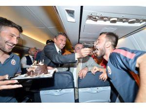 Emre Çolak Yeni Yaşını Uçakta Kutladı